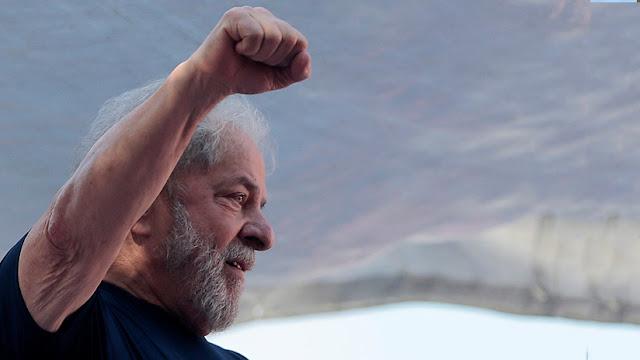 Lula Da Silva sigue líder en las encuestas en Brasil pese a estar en la cárcel