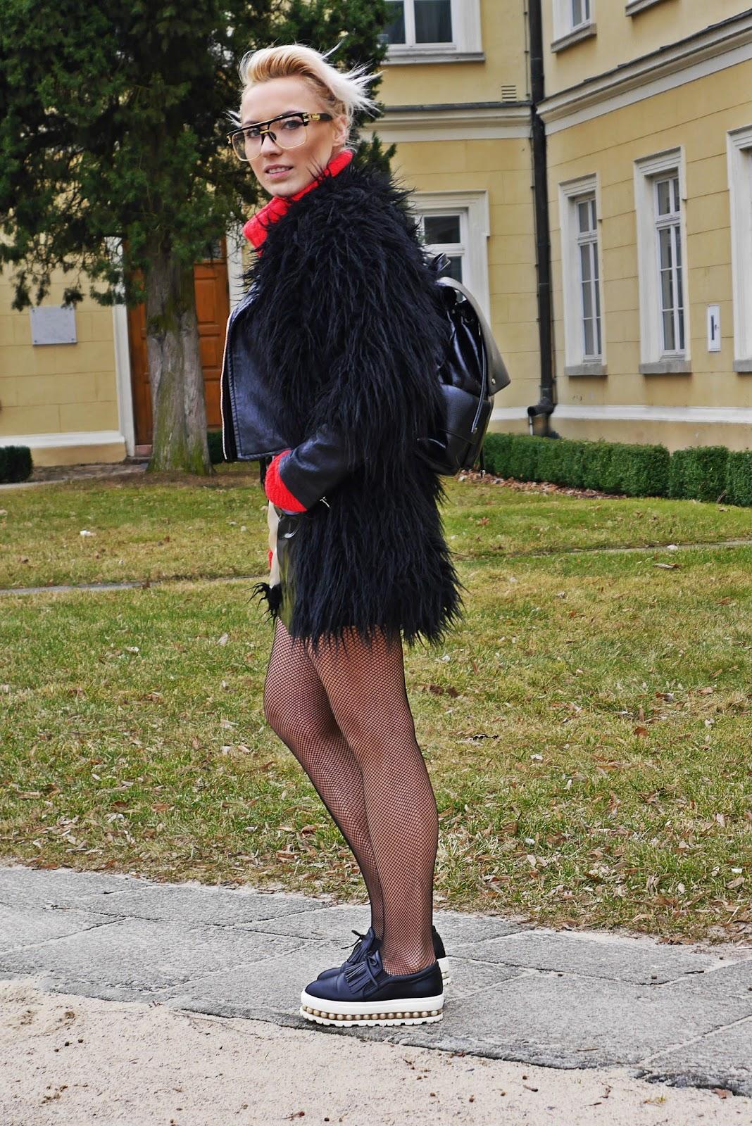 czarne_futerko_spodnica_cerata_look_karyn_blog_160317a