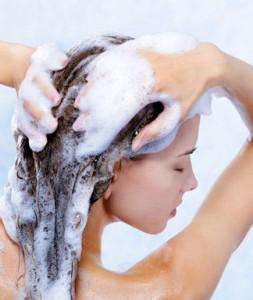 Lava bien tu cabello