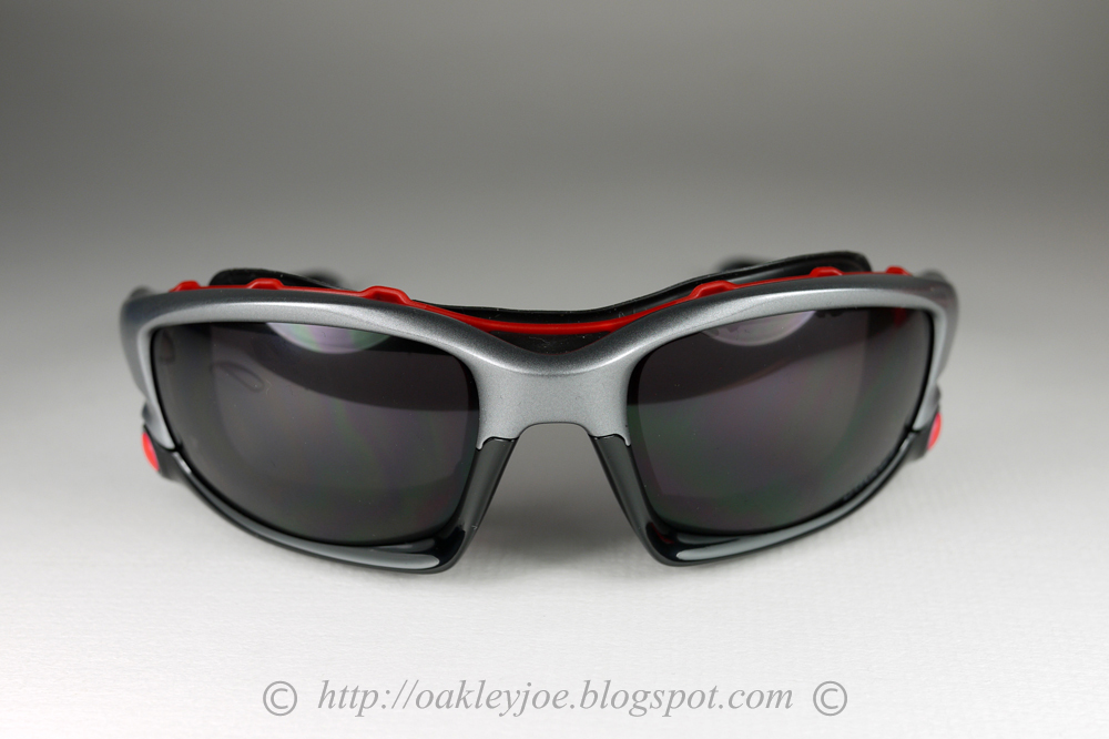 5d515e1886 permanently added to collection. not for sale. OO9096-44 Ducati Fuel Cell  Polarized matte black + grey polarized