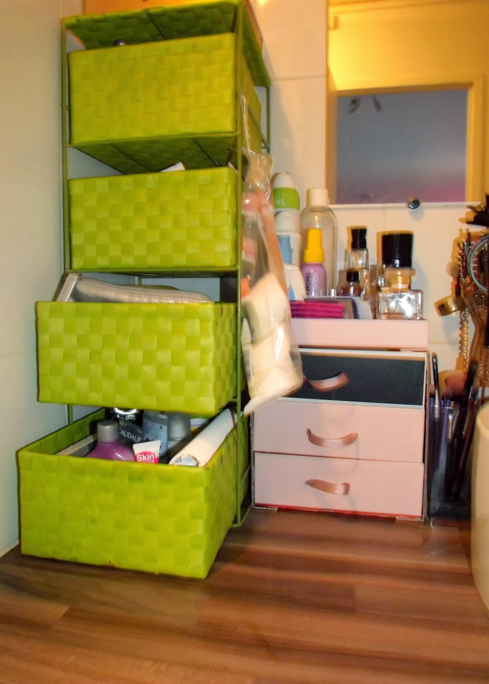 cosmetic madness mon rangement make up. Black Bedroom Furniture Sets. Home Design Ideas