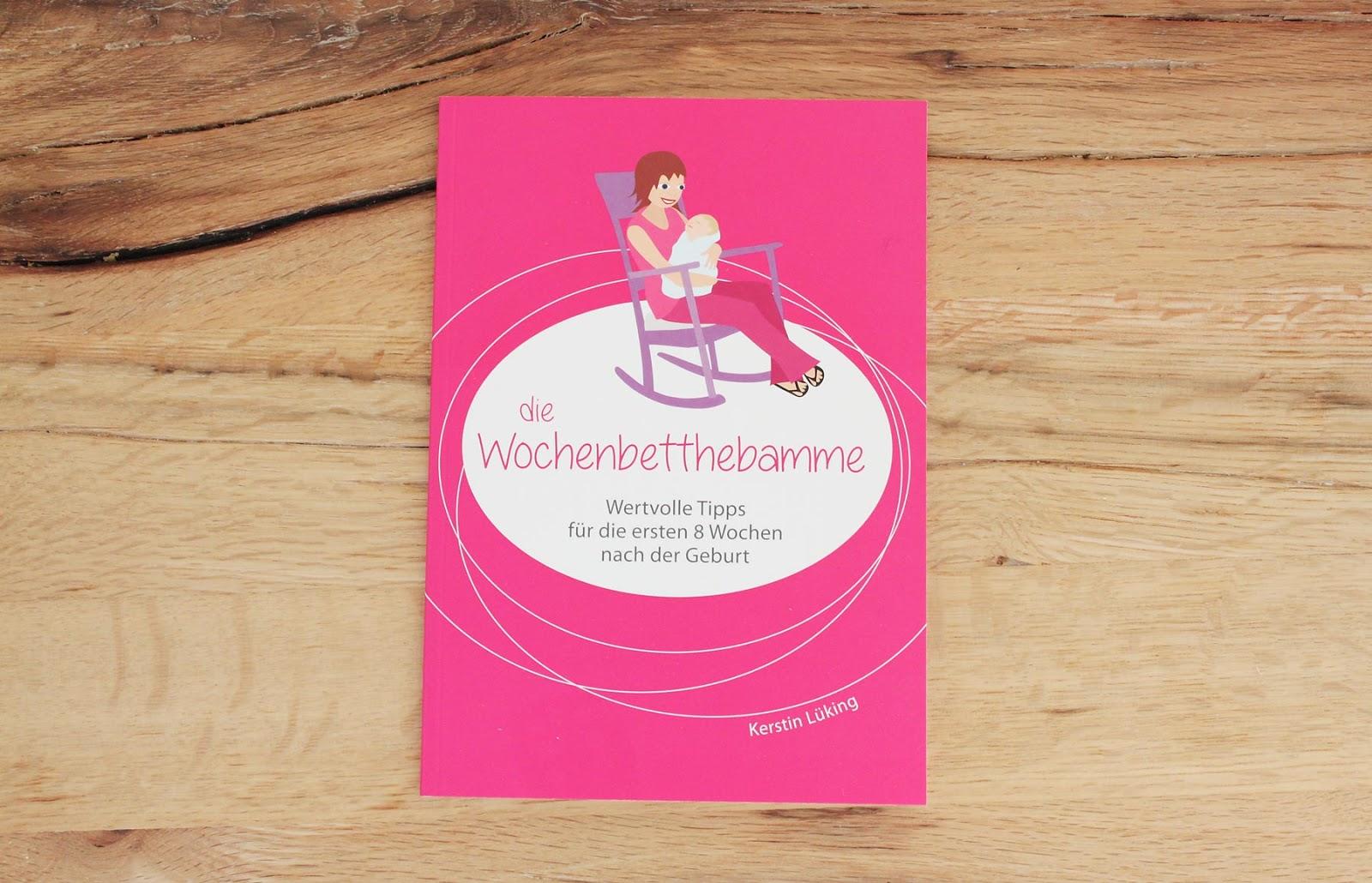 Booklet der Wochenbettbox mit vielen Tipps und Tricks für Mamas