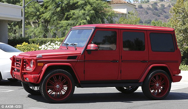 tyga 39 s range rover up for repossession after he failed to. Black Bedroom Furniture Sets. Home Design Ideas