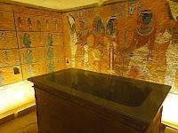 Tutankhamun's burial chamber replica