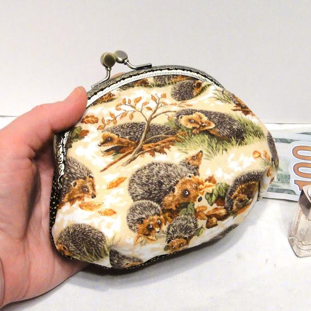 Маленький кошелек косметичка с фермуаром Ежики - новогодний подарок дочке