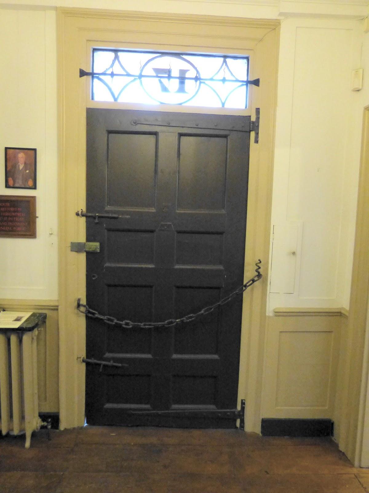 Front door Dr Johnson\u0027s House Museum & Regency History: Dr Johnson\u0027s House Museum - a Regency History Guide