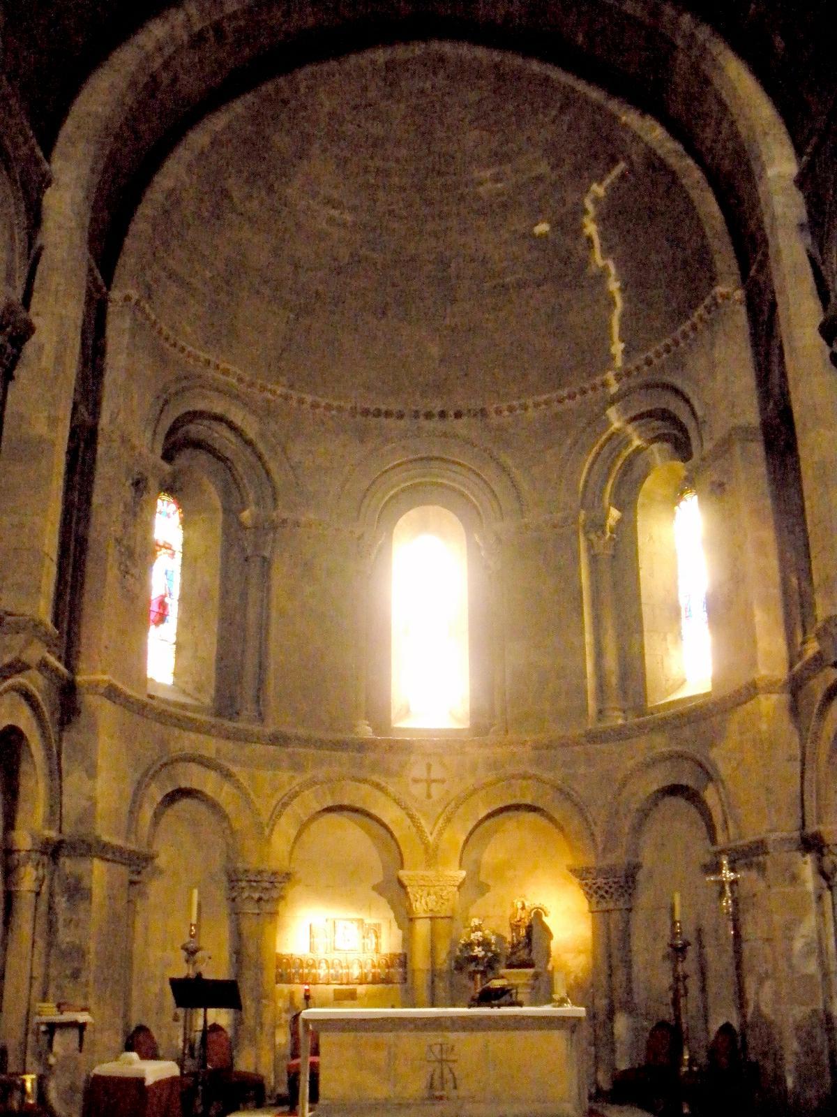 Maravillas ocultas de espa a segovia una maravilla del for Interior iglesia romanica
