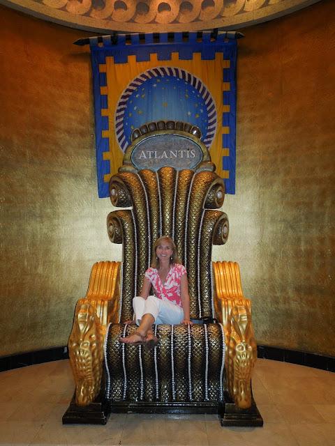 Atlantis throne
