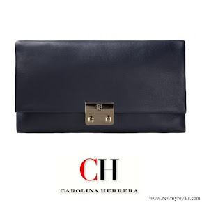 Queen Letizia carried Carolina Herrera baret navy clutch