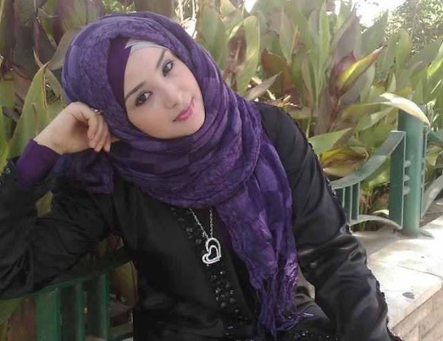 مريم مقيمة في كويت أبحث عن تعارف و زواج من راجل طيب مثقف و الاستقرار