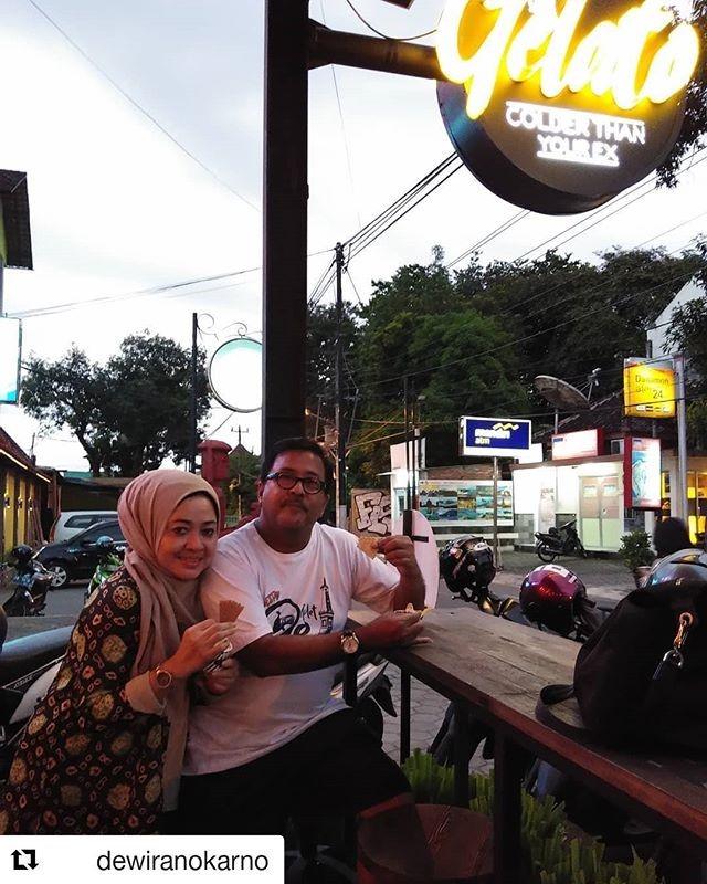 Travelplusindonesia Soto Dan Ice Cream Pilihan Si Doel Saat