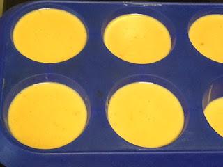 Cuajar mezcla en moldes