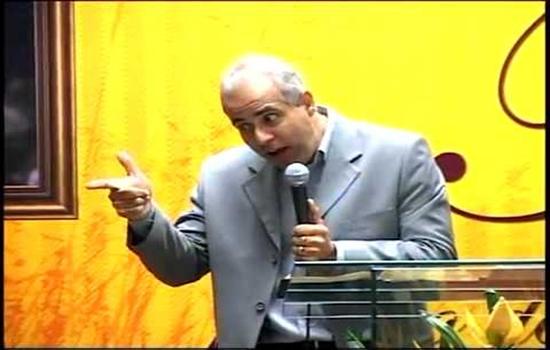 Pastor ensina como o marido deve tratar a mulher