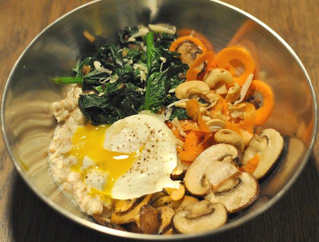 Herzhafte Porridge Bowl