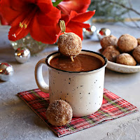 Baked-Gingerbread-Doughnut-Holes