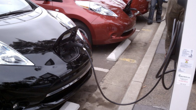 Rep. Mike Levin (D-CA) introduces bill to end sales of gasoline-powered cars in US by 2040