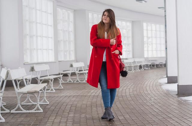 Stylizacja Czerwony płaszcz