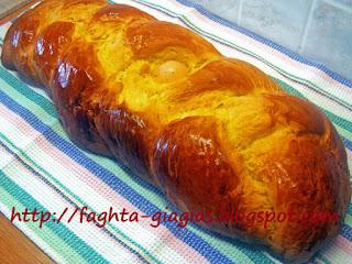 Πασχαλινό τσουρέκι - από «Τα φαγητά της γιαγιάς»