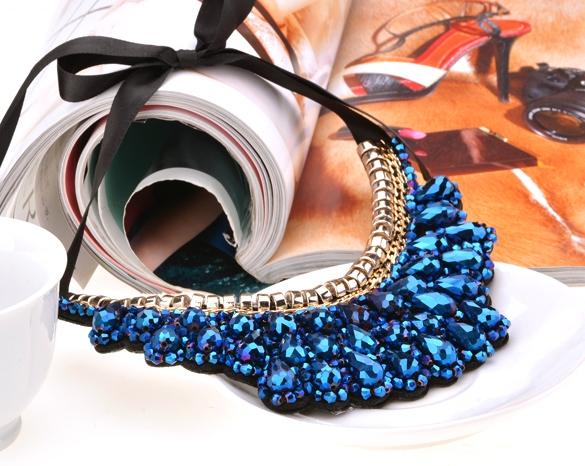 naszyjnik, na bogato, kryształy, elegancki naszyjnik