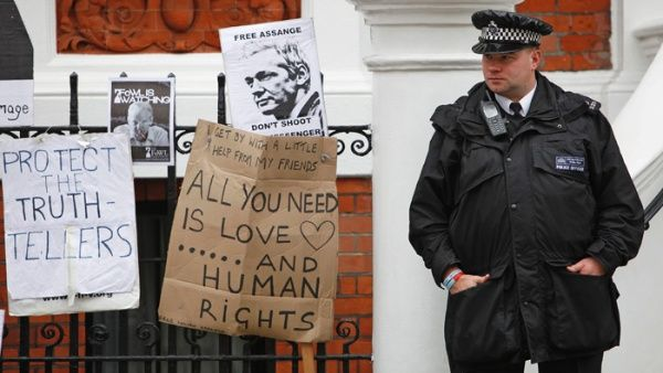 Reino Unido rechaza conceder estatus diplomático a Assange