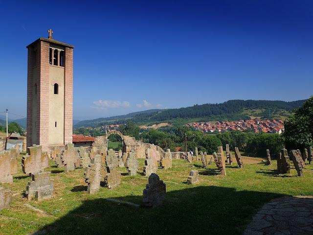 Na starym cmentarzu w Novi Pazarze