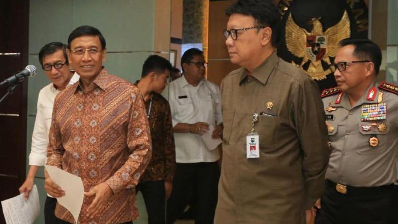 Wiranto mengumumkan langkah pembubaran HTI