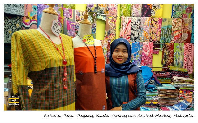 Pasar Payang, Kuala Terengganu, Malaysia | www.rambleandwander.com