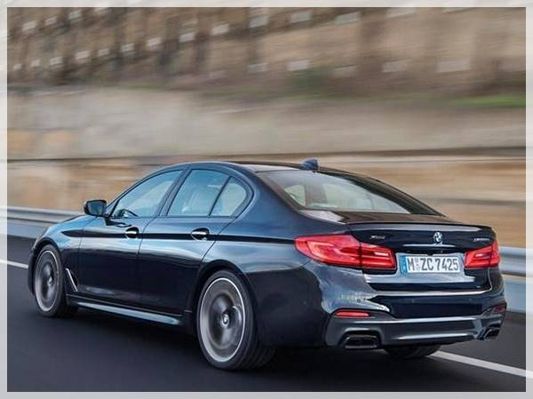 2018 BMW M550i xDrive M Performance TwinPower Turbo V8