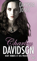 http://lachroniquedespassions.blogspot.fr/2015/07/charley-davidson-tome-9-dirt-on-ninth.html
