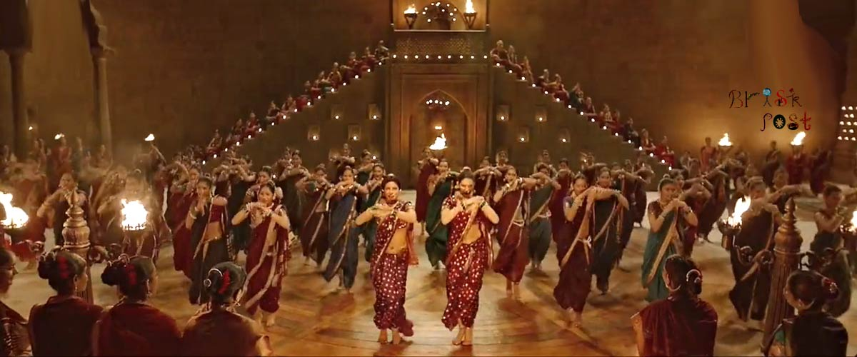 Priyanka Chopra Deepika Padukone Face off in Pinga dance song in lamps light