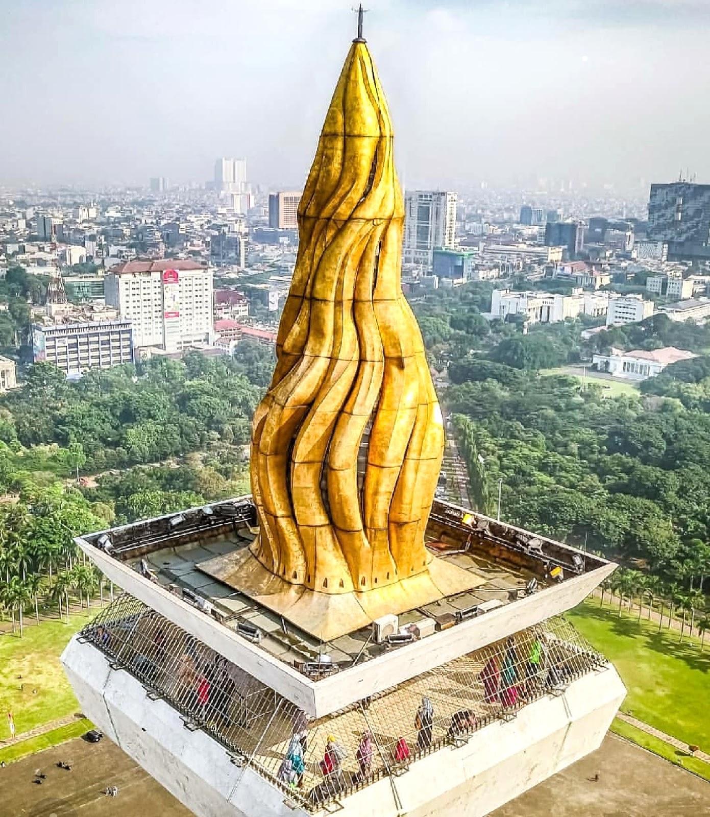11 Gambar Monas Monumen Nasional Jakarta, Rute dan Hotel Terdekat