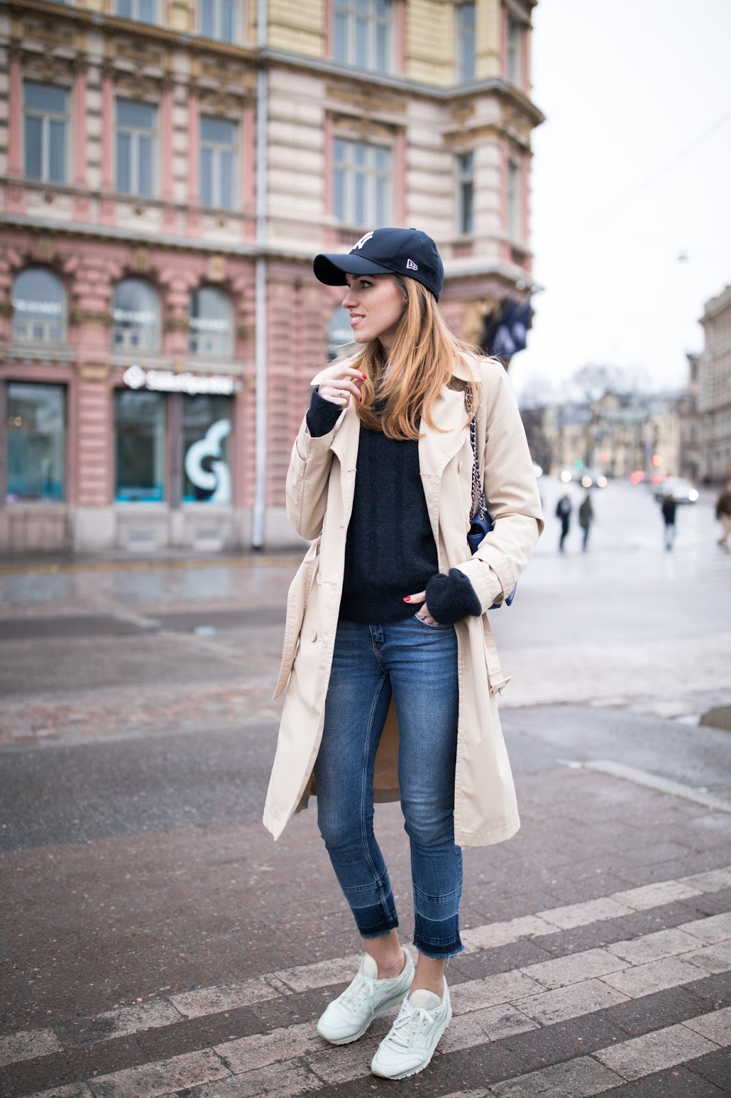 baseball cap outfit spring