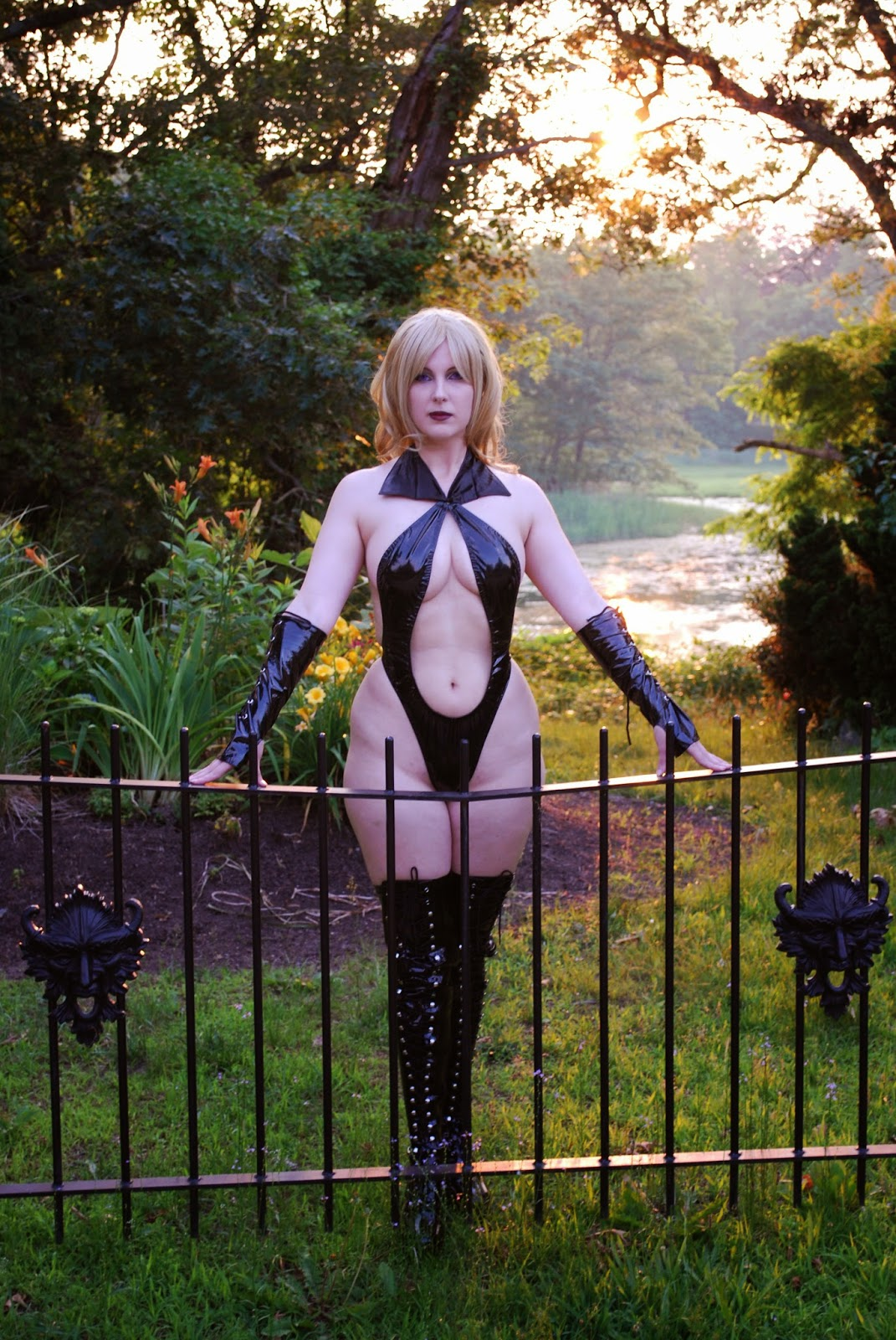 Draculina Cosplay, posted on Wednesday, 30 July 2014