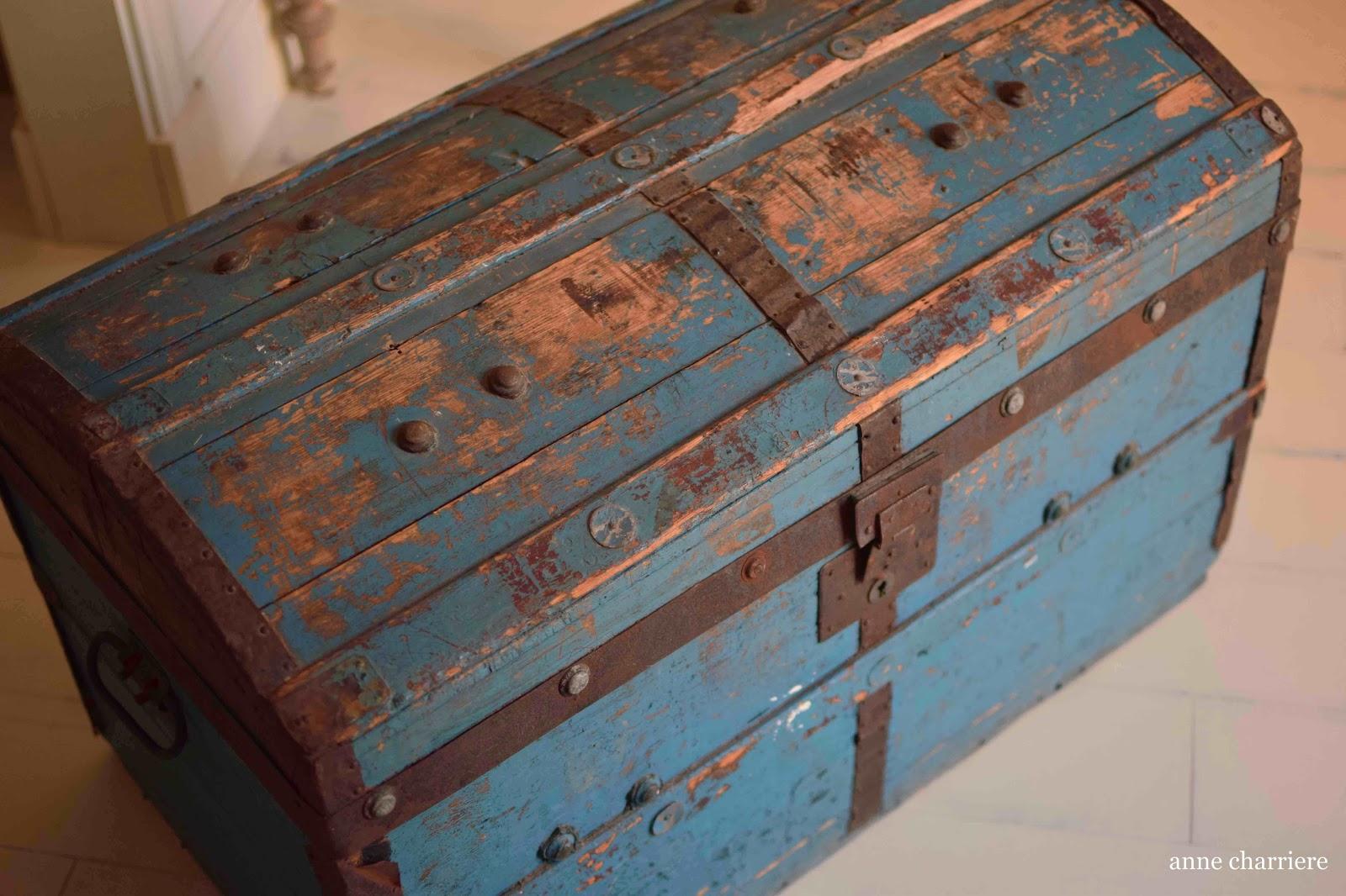 Anne charriere blog de bricolage d co low cost restauration sur bois et pe - Vieille malle de voyage ...