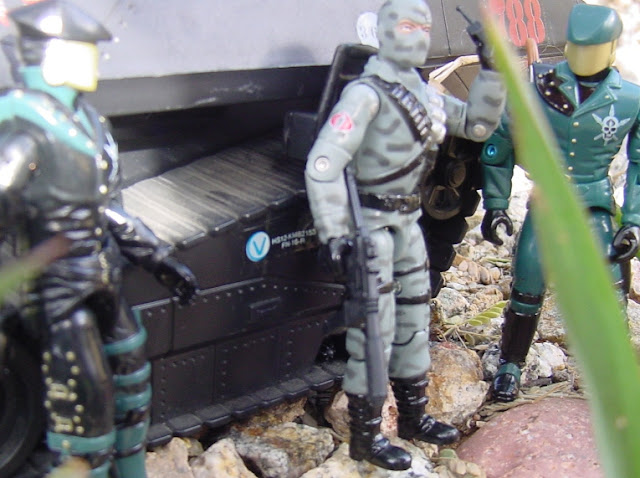 2005 comic Pack Firefly, 2008 Convention Exclusive headhunter Driver, 1983 Hiss Tank, Rare G.I. Joe Figures, Headhunter Guard