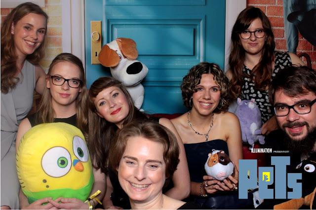 Gruppenfoto bei der PETS Filmpremiere in Berlin