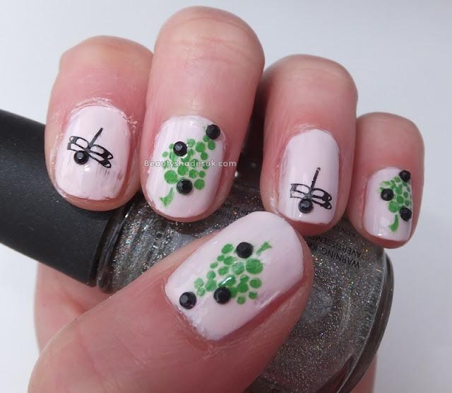 Dragonfly nail art