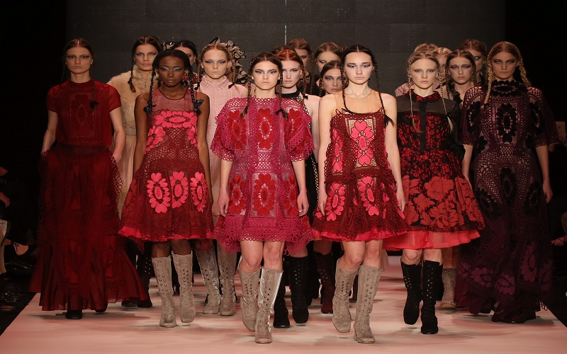 İstanbul Moda Haftası'nda Hangi Tasarımcılar Var?