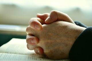 Refletindo sobre a importância da Palavra de Deus para nós.