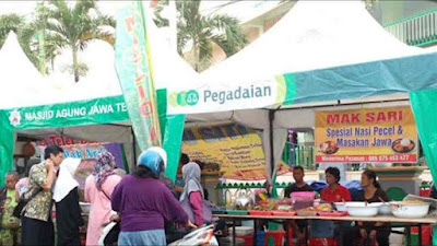 Berburu takjil di kampung arab Semarang
