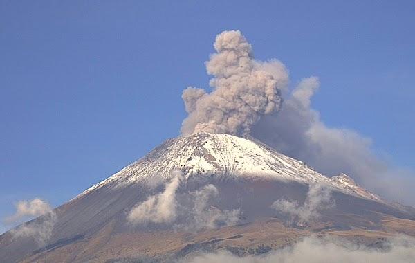 Volcán Popocatépetl registra 11 explosiones en 24 horas