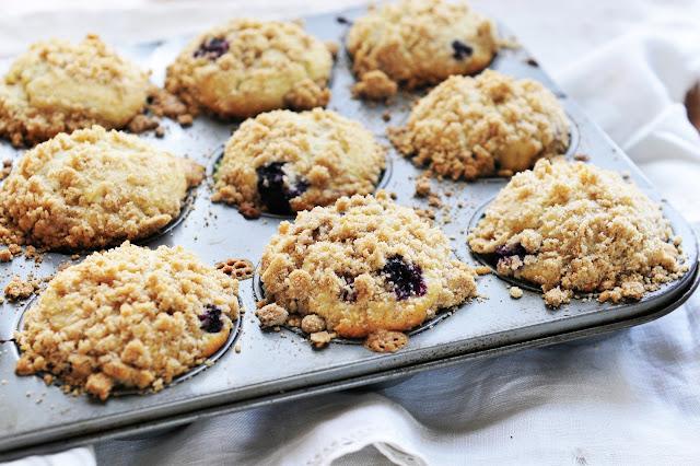 Simply gourmet 290 gluten free blueberry streusel muffins - Garden lites blueberry oat muffins ...