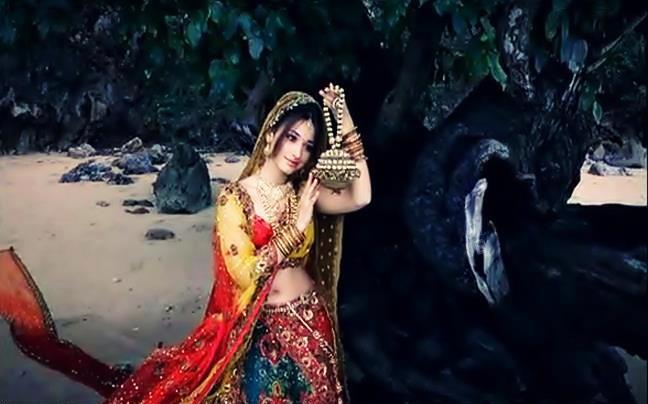Tamanna Hd Saree Wallpaper: Gorgeous Tamanna In Sri VijayaLakshmi Saree Ad Stills