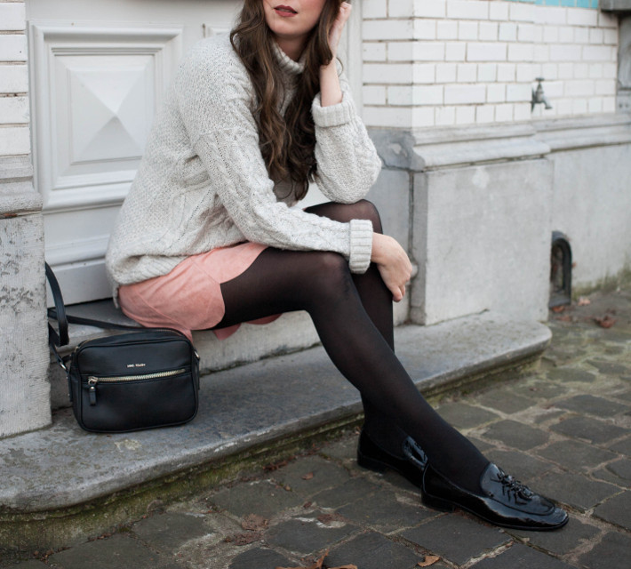 Outfit: pink scallop hem skirt, patent loafers