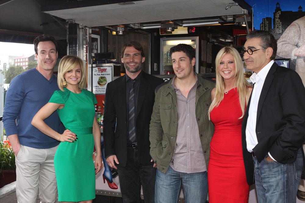 american reunion cast - photo #12