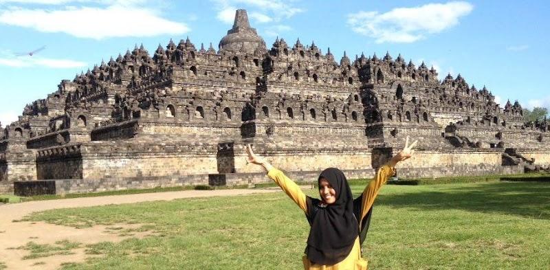 Hello, Candi Borobudur!!! :)