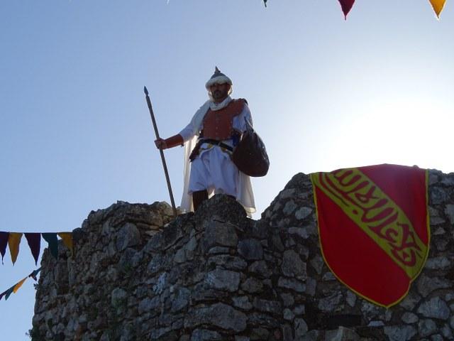 Zahara torre homenaje vigilante castillo