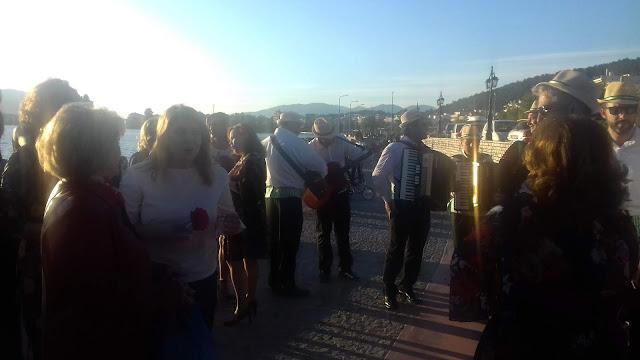 Ήγουμενίτσα: Κανταδόροι πλημμύρισαν με ζεστασιά και ευαισθησία τους δρόμους της Ηγουμενίτσας (Video)