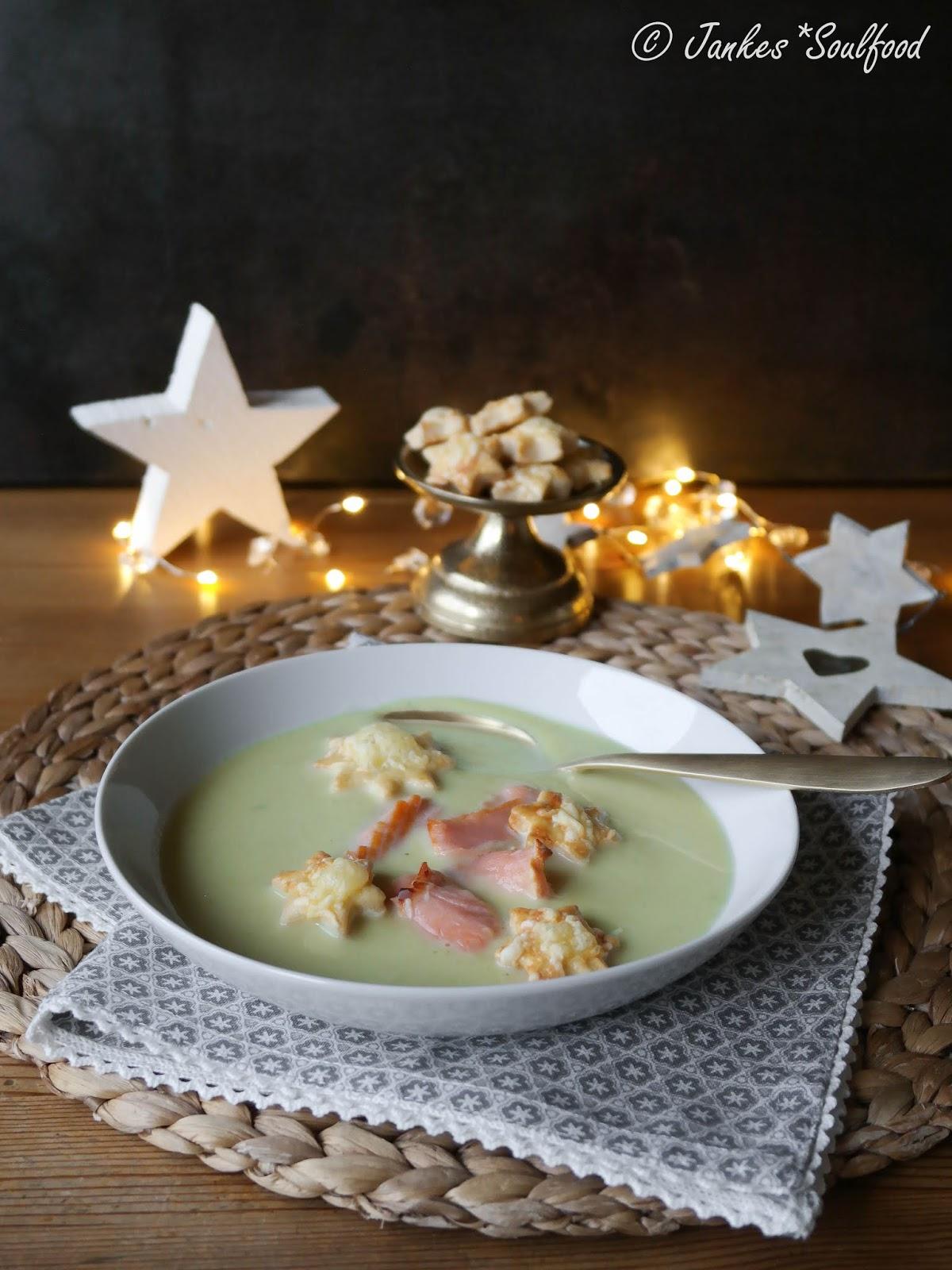Lauchcremesuppe mit Forelle und Käsegebäck