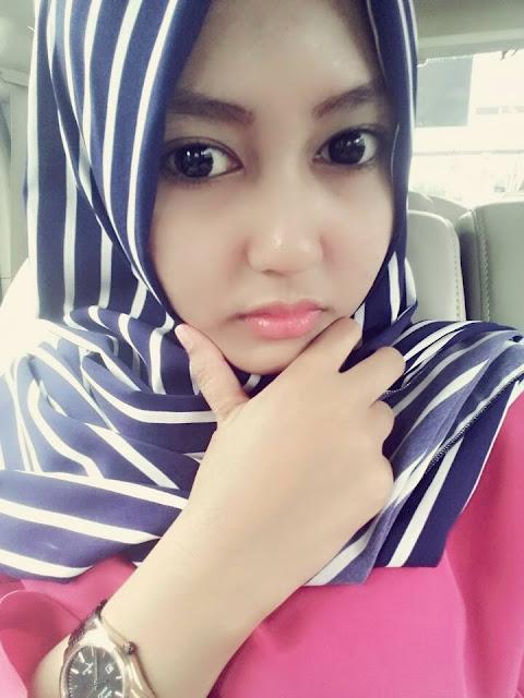Dessy Seorang Perempuan Cantik Asal Subang Yang Terpilih Menjadi Salah Satu Wanita Berhijab Tercantik Di Kota Bandung Dan Sekitarnya Saat Ini